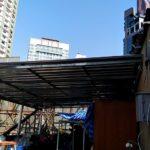 屋上スペース屋根の取付工事2日目